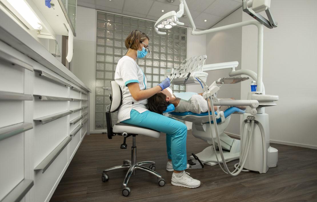 Krzesła ergonomiczne w klinice